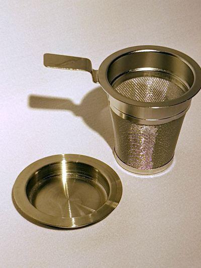 Teefilter aus Edelstahl mit Abtropfschale 56