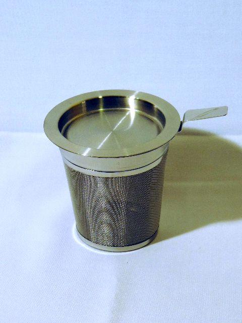 Edelstahl-Teefilter mit Abtropfschale M