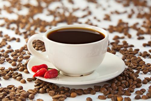 FotoliaComp_126158842_JFKotlxoSn4JOjjZOpBZkbHWTdi567tF_NW40 Kaffee